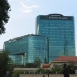 Diamond Plaza : Shopping centerでのショッピング/ベトナム、ホーチミン(Ho Chi Minh, Vietnam)