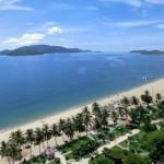 ニャチャンビーチ5:30AM 子供にせがまれ早朝シュノーケリング。ノボテルニャチャン(Novotel Nha Trang)前のビーチ(beach)