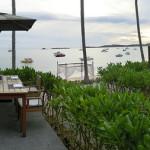 屋外での朝食バイキング/ハンサー サムイ リゾート & スパ Hansar Samui Resort(タイ サムイ島)